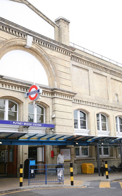 Putney Bridge Station
